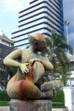 Härlig handhandelsresande Statue Bangkok royaltyfria foton