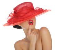 härlig hattredkvinna Royaltyfri Foto