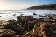 Härlig havlandskapbild under att bedöva solnedgång royaltyfria bilder