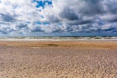 Härlig havs- och himmelbakgrund arkivfoton