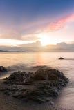 härlig havssolnedgång Arkivbilder