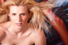 härlig headshotkvinna Royaltyfria Bilder