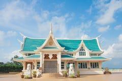 Härlig himmel för tempel Royaltyfri Foto
