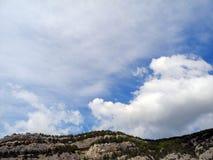 Härlig himmel på ett soligt summerday Arkivbilder