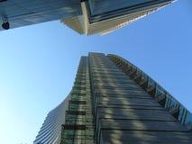 Härlig horisont från den kommersiella mitten av Milan arkivbild