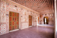 Härlig inre av slotten av det 16th århundradeJunagarh fortet Royaltyfri Foto