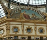 Härlig inre lokk in i Vittorio Emanuele i Milano fotografering för bildbyråer
