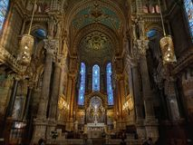 Härlig inredesign av en kyrka fotografering för bildbyråer