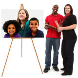 Härlig Interracial familjstående Arkivbild