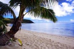 Härlig isolerad strand Arkivbild