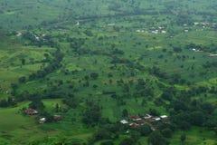 Härlig jordbruksmark på byn Satara-I arkivfoto