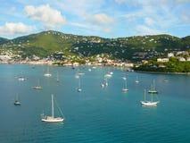 Härlig jungfrulig ö i det karibiskt Royaltyfri Foto