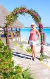 härlig karibisk kustflicka Royaltyfri Foto