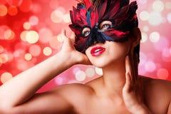 härlig karnevalmaskeringskvinna Royaltyfri Bild