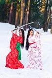 härlig kimono för brunettflickajapan royaltyfri fotografi