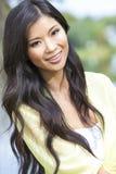 Härlig kinesisk asiatisk flicka för ung kvinna Arkivbilder