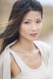 Härlig kinesisk asiatisk ung kvinnaflicka Arkivbilder
