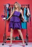 härlig kläder som klär fashiokvinnan Royaltyfri Foto