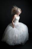 härlig klänningflickawhite royaltyfri bild