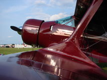 Härlig klassisk Staggerwing för Beechcraft modell 17 biplan Arkivbild