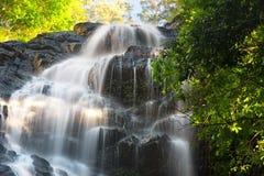 Härlig Kondalilla vattenfall arkivfoto