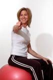 härlig konditionidrottshallkvinna Arkivfoton