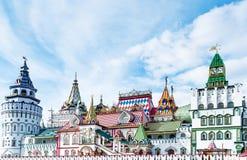 Härlig Kreml i Izmaylovo i vår Arkivfoton