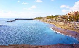 Härlig kust- sikt av stranden för El Duque i Costa Adeje, Tenerife, kanariefågelöar, Spanien Arkivfoton