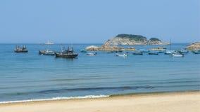 Härlig kustlinje av Weihai arkivfoto