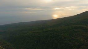 Härlig kustlinje för flyg- sikt på den tropiska ön Camiguin öFilippinerna Arkivfoto