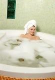 härlig kvinna för badrum Arkivfoto
