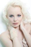 Härlig kvinna för blont hår Arkivbilder