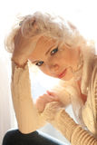 Härlig kvinna för blont hår Royaltyfri Foto