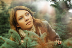 Härlig kvinna, fantasiöverrrakningbegrepp Fotografering för Bildbyråer