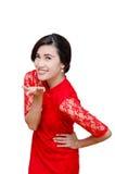 Härlig kvinna i dräkt för traditionell kines royaltyfri fotografi