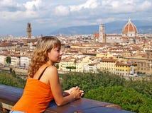 Härlig kvinna i Florence Royaltyfri Fotografi