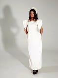 Härlig kvinna i trendig klänning Fotografering för Bildbyråer