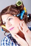 Härlig kvinna med lockigt hår royaltyfri foto