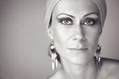 Härlig kvinna med makeup Royaltyfri Foto
