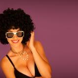 Härlig kvinna med svart afro Royaltyfria Foton