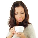Härlig kvinna med tea Fotografering för Bildbyråer