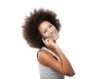 Härlig kvinna på mobiltelefonen Arkivfoton
