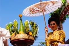 Härlig kvinnaThailand kultur Arkivfoto