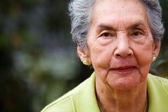härlig kvinnligpensionär Royaltyfria Foton