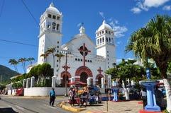 Härlig kyrka av Juayua, El Salvador royaltyfri foto