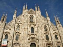 Härlig kyrka, domkyrka av Milan i Itlay royaltyfri fotografi