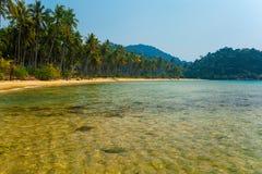Härlig lagun med genomskinligt vatten Royaltyfri Foto