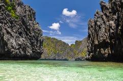 Härlig lagun nära El Nido - Palawan, Filippinerna royaltyfri foto