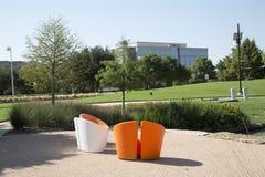Härlig landskapdesign i Hall Park Frisco Arkivfoton