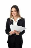 Härlig le affärskvinna med legitimationshandlingar Royaltyfri Fotografi